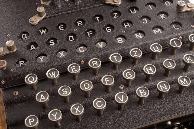 Шифровальщик (Криптограф)
