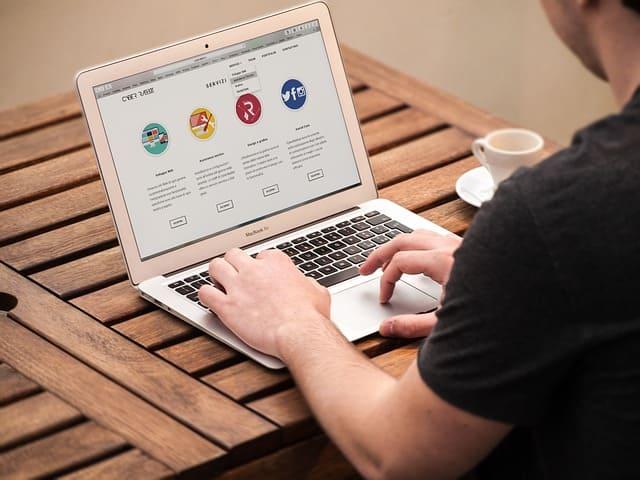 Веб-дизайнер (Web-дизайнер)