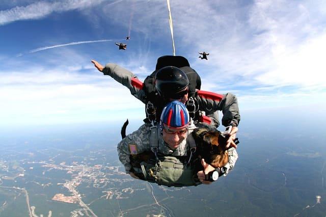 Інструктор парашутного спорту